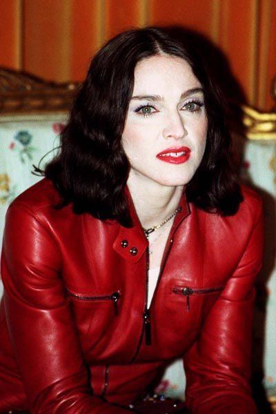 madonna-musica-cultura-historia-looks-fashion-music-moda-1998