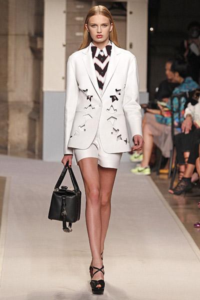 nuevo-traje-sastre-masculino-femenino-moda-fashion-tendencia-loewe-primavera-verano-2012