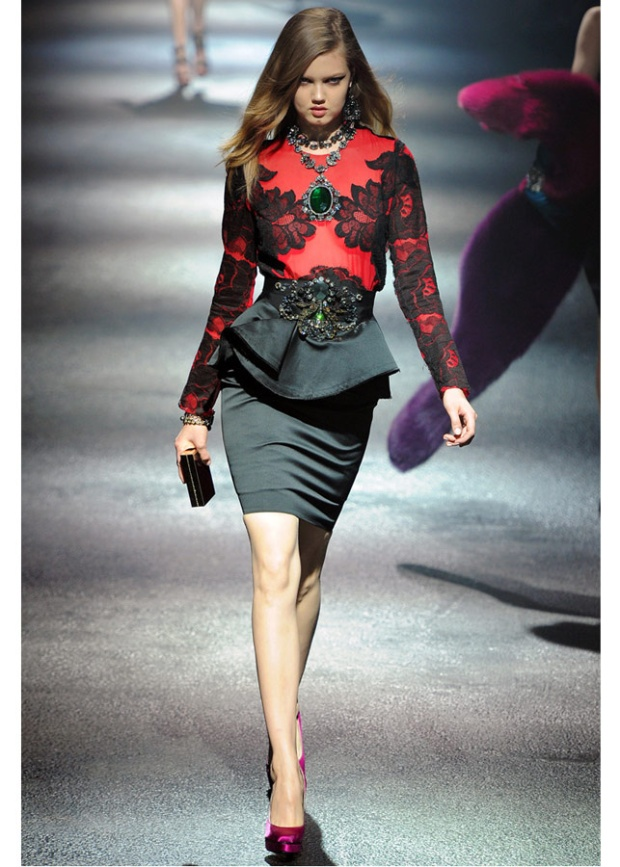 Paris-fashion-week-must-have-vintage-peplum-1940-lanvin-Lindsey-wixson