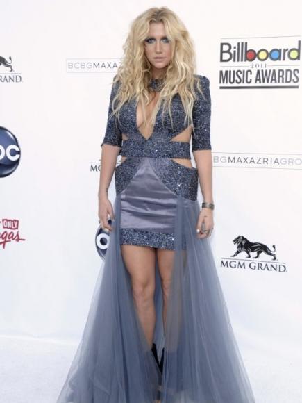 peores-looks-estrellas-people-famosos-kesha-ke$ha