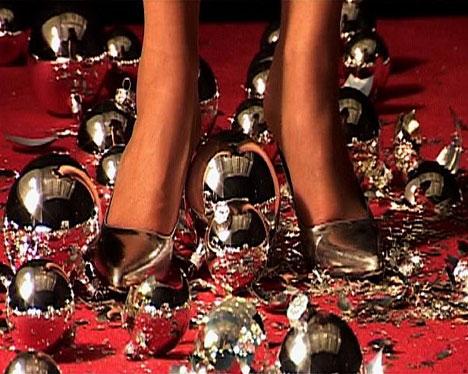 sylvie-fleury-arte-moda-zapatos-1