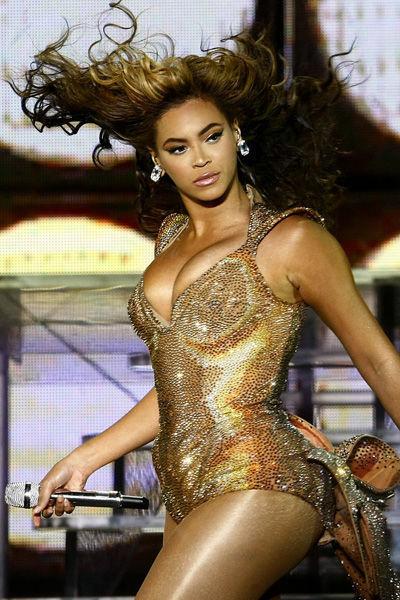 beyonce-evolucion-fashion-modaddiction-moda-looks-estilos-gmaour-elegancia-trend-trends-people-celebrity-13