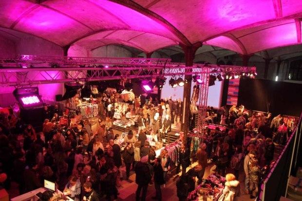 custo-barcelona-pop-up-stores-venta-sales-70%-modaddiction-moda-fashion-espana-spain-4