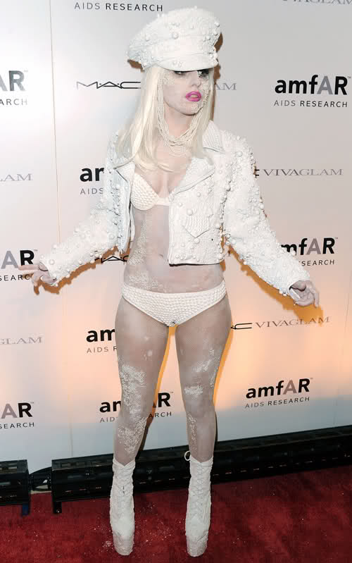 lady_gaga_fashion_moda_modaddiction_london_londres_perlas_pearl_2010