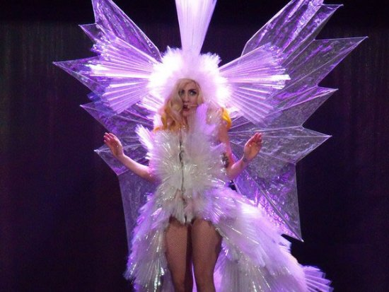 lady_gaga_fashion_moda_modaddiction_vestido_viviente_dress_living