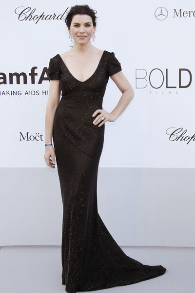 65th-cannes-film-festival-amfar-gala-modaddiction-blanco-negro-black-white-fashion-moda-trends-tendencias-Julianna-Margulies