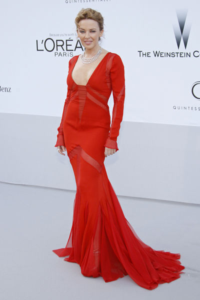 65th-cannes-film-festival-amfar-gala-modaddiction-blanco-negro-black-white-fashion-moda-trends-tendencias-Kylie-Minogue