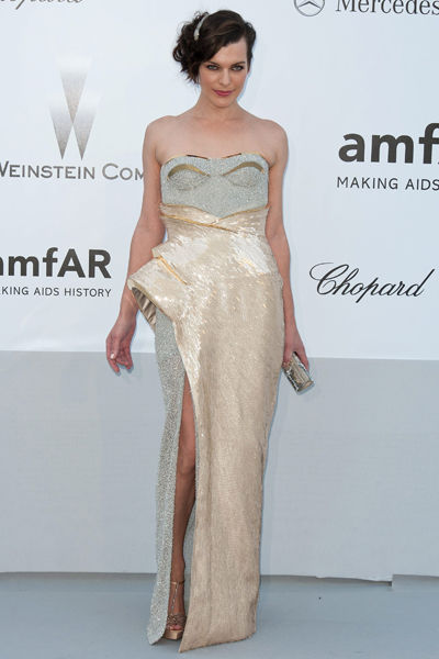 65th-cannes-film-festival-amfar-gala-modaddiction-blanco-negro-black-white-fashion-moda-trends-tendencias-Milla-Jovovich