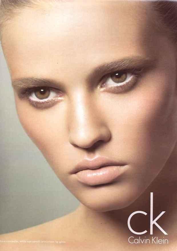 10-mejores-modelos-top-models-lara-stone-modaddiction-moda-fashion-calvin-klein
