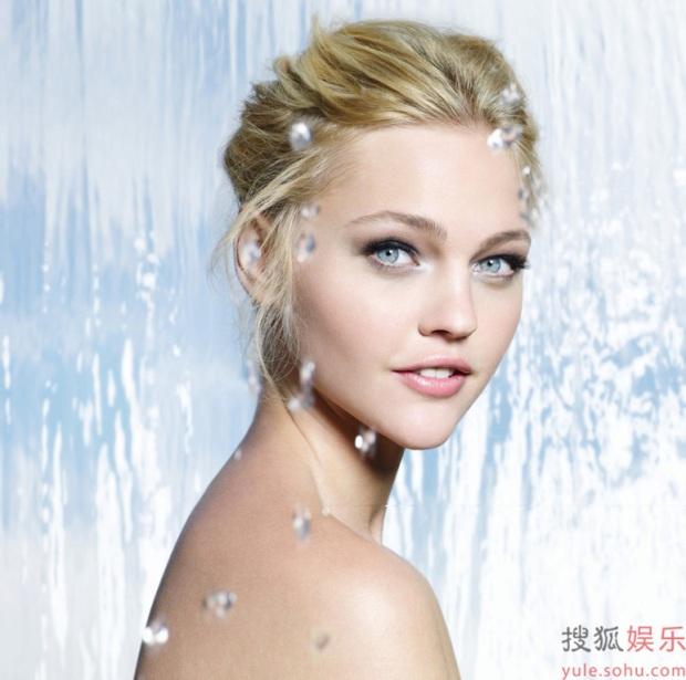 10-mejores-modelos-top-models-Sasha-Pivovarova-modaddiction-moda-fashion-yule-sohu