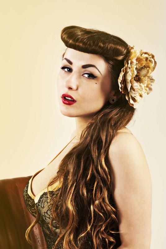 acid-doll-style-estilo-pin-up-show-girl-singer-fashion-moda-modaddiction