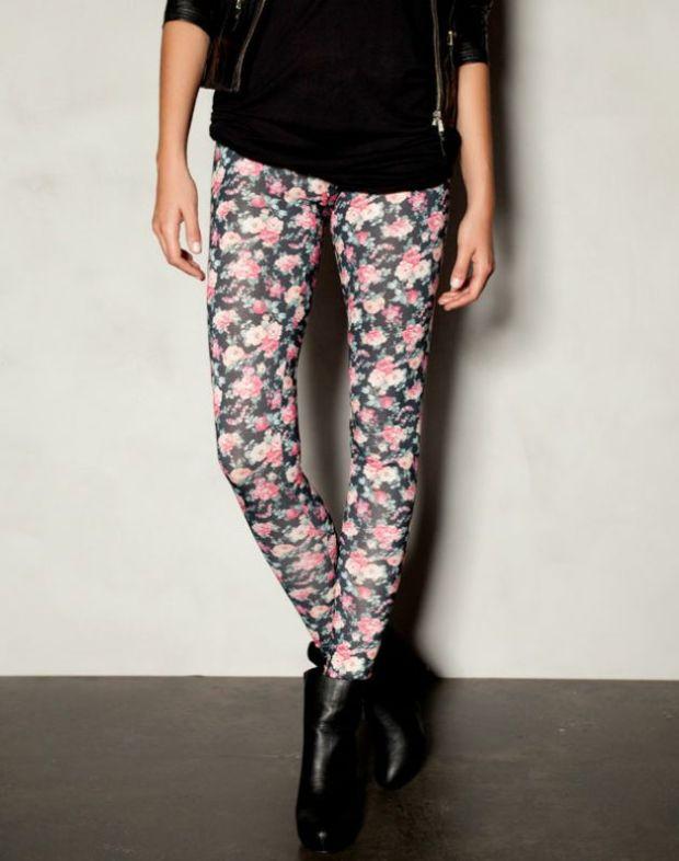 alerta-rebajas-sales-modaddiction-ideas-compras-looks-estilos-moda-fashion-trends-estampado-floral-pull&bear