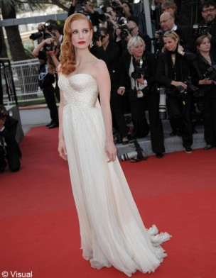 jessica-chastain-yves-saint-laurent-manifesto-modaddiction-moda-fashion-trends-tendencias-7