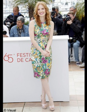jessica-chastain-yves-saint-laurent-manifesto-modaddiction-moda-fashion-trends-tendencias-8