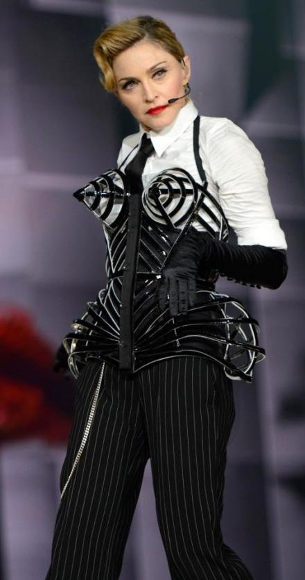 madonna-jean-paul-gaultier-modaddiction-moda-fashion-prada-miu-miu-dolce-gabanna-cultura-culture-music-musica-2