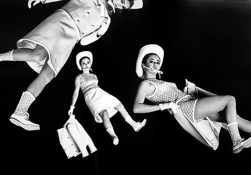 maison-luxe-modelos-leyenda-lujo-modaddiction-moda-fashion-lujo-trends-tendencias-courreges-mini-falda-mini-skirt