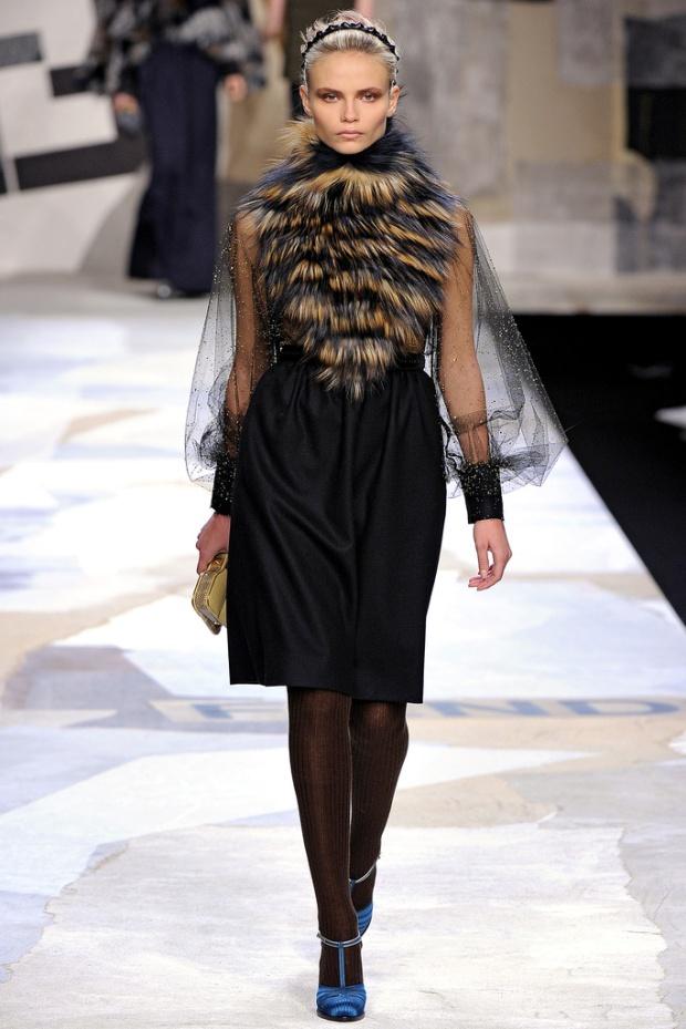 maison-luxe-modelos-leyenda-lujo-modaddiction-moda-fashion-lujo-trends-tendencias-fendi-piel