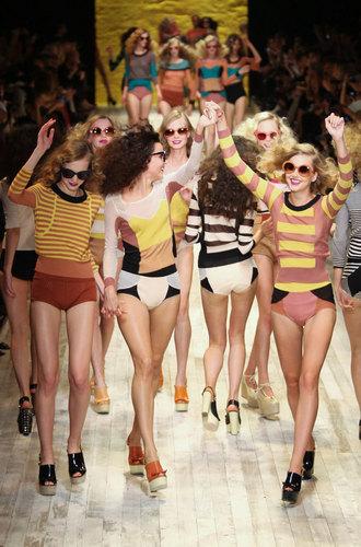 maison-luxe-modelos-leyenda-lujo-modaddiction-moda-fashion-lujo-trends-tendencias-sonia-rykiel-prenda-punto