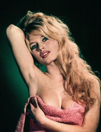 mitos-ereticos-cine-modaddiction-cinema-legends-glamour-culture-cultura-moda-fashion-brigitte-bardot