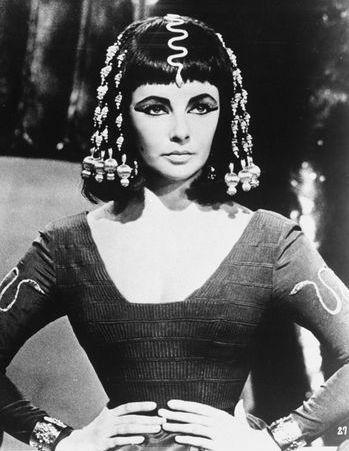 mitos-ereticos-cine-modaddiction-cinema-legends-glamour-culture-cultura-moda-fashion-liz-taylor