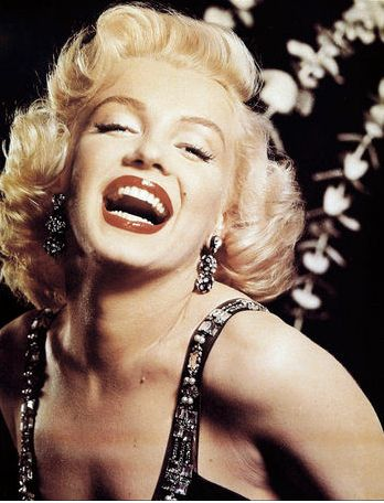 mitos-ereticos-cine-modaddiction-cinema-legends-glamour-culture-cultura-moda-fashion-marilyn-monroe