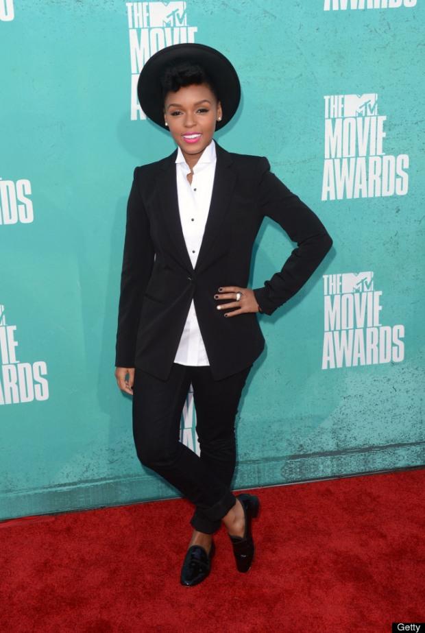 Mtv-movie-awards-2012-people-famosos-modaddiction-glamour-fashion-moda-alfombra-roja-red-carpet-looks-estilos-cine-cinema-8