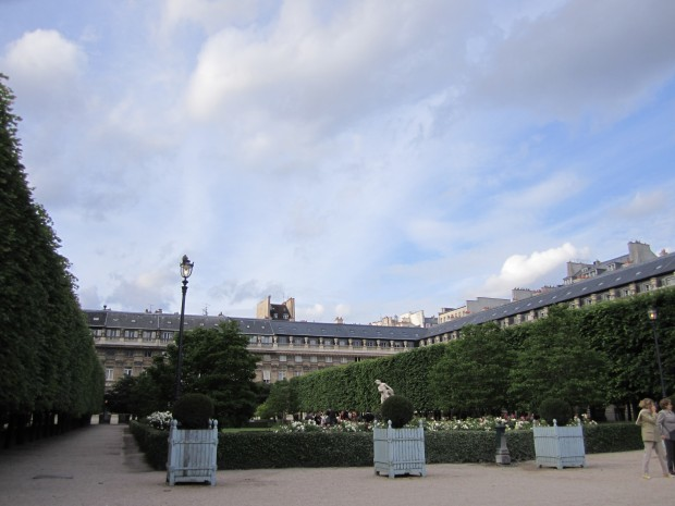paris-saturday-sabado-modaddiction-moda-fashion-trends-tendencias-cultura-culture-palais-royal-2