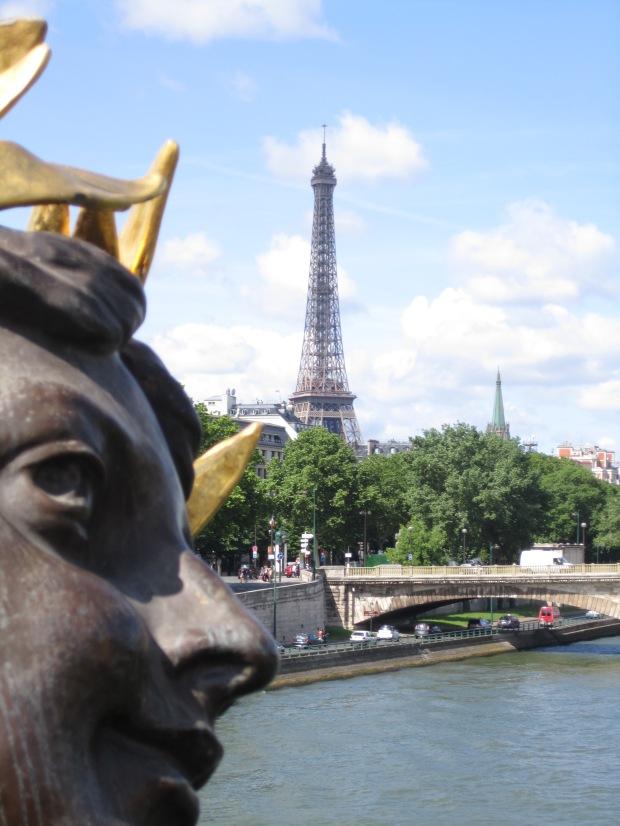 paris-saturday-sabado-modaddiction-moda-fashion-trends-tendencias-cultura-culture-torre-eiffel