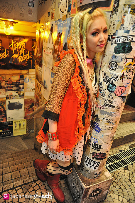 streetlooks-japanese-trendy-fashion-moda-strange-harayuku-modaddiction_4