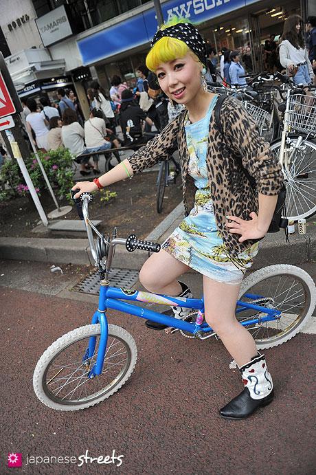 streetlooks-japanese-trendy-fashion-moda-strange-harayuku-modaddiction_7