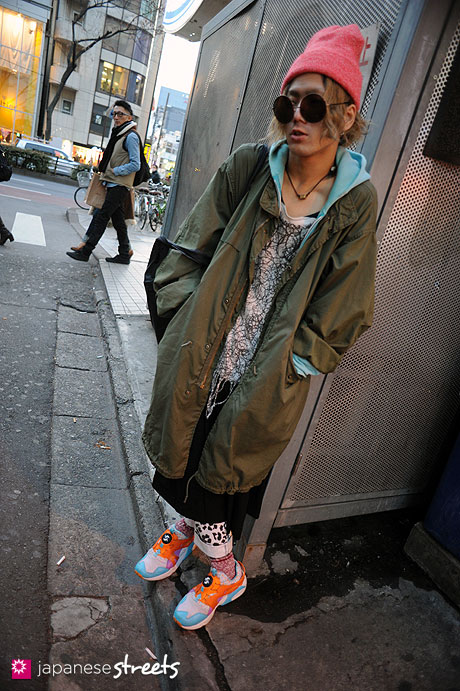 streetlooks-japanese-trendy-fashion-moda-strange-harayuku-modaddiction_8