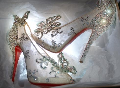 christian-louboutin-cenicienta-cinderella-cendrilla-modaddiction-moda-fashion-calzado-zapatos-shoes-trends-tendencias-4
