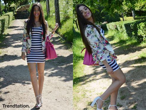 Outfit vestido de rayas azul y blanco