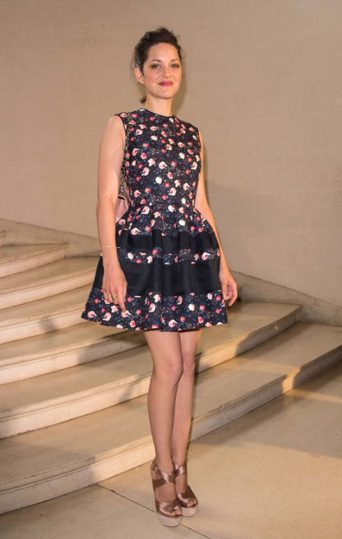 marion_cotillard_vogue-paris-modaddiction-top-looks-estilos-moda-fashion-estrella-famoso-star-people-cine-cinema-trends-tendencias-4