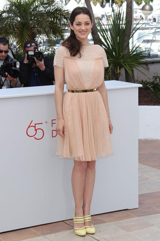marion_cotillard_vogue-paris-modaddiction-top-looks-estilos-moda-fashion-estrella-famoso-star-people-cine-cinema-trends-tendencias-6