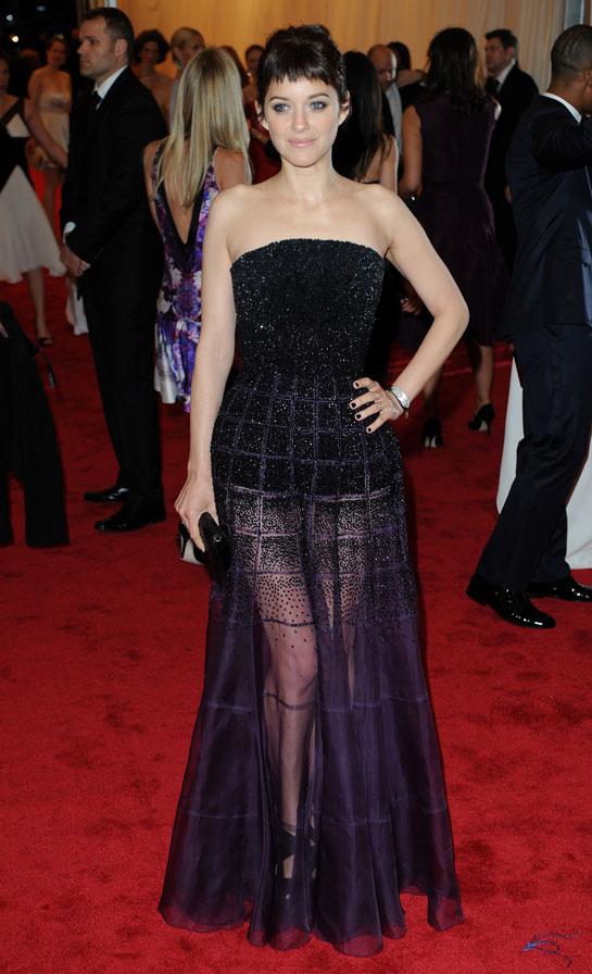 marion_cotillard_vogue-paris-modaddiction-top-looks-estilos-moda-fashion-estrella-famoso-star-people-cine-cinema-trends-tendencias-7