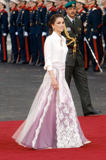 30-iconos-30-estilos-30-it-girls-30-looks-modaddiction-moda-fashion-retro-casual-vintage-elegante-clasico-moda-fashion-rania-de-jordania