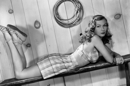 30-iconos-30-estilos-30-it-girls-30-looks-modaddiction-moda-fashion-retro-casual-vintage-elegante-clasico-moda-fashion-veronica-lake