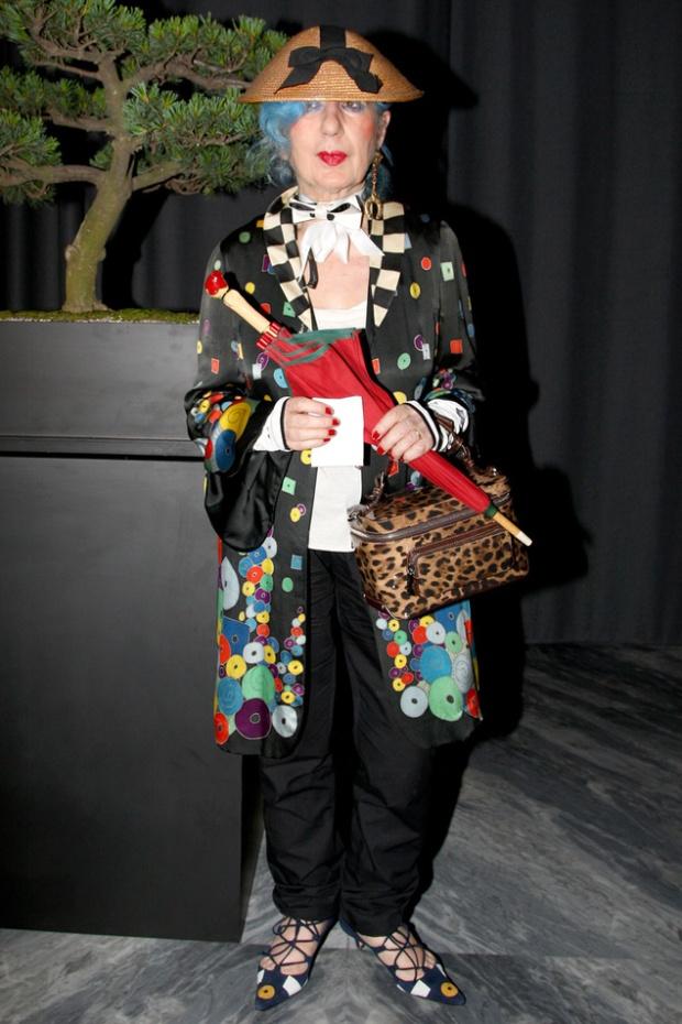 anna_piaggi_muerte-dead-modaddiction-moda-fashion-karl-largefeld-vogue-italia-anna-piaggi-2