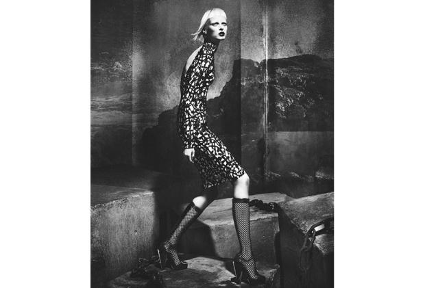 campanas-publicitarias-otono-invierno-2012-2013-campaign-fall-winter-2012-2013-modaddiction-moda-fashion-foto-photo-trends-tendencias-versace
