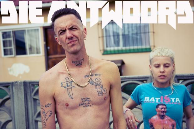 ie-antwoord-i-fink-u-freeki-music-afrikaner-rave-techno-rap-motherfuckers-jump-modaddiction