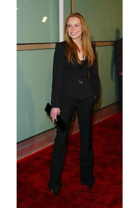 esmoquin-femenino-smoking-mujer-modaddiction-trends-tendencias-chic-glamour-moda-fashion-elegancia-Kate Bosworth-2002