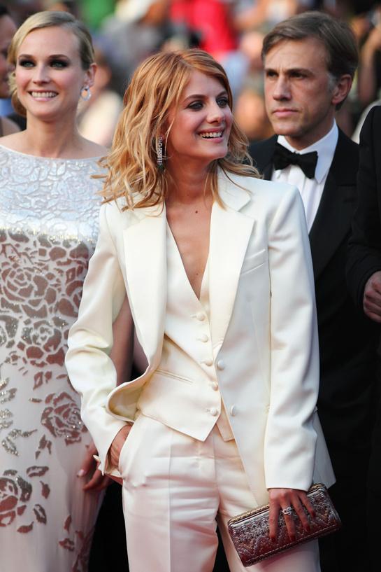 esmoquin-femenino-smoking-mujer-modaddiction-trends-tendencias-chic-glamour-moda-fashion-elegancia-Mélanie-Laurent-2009