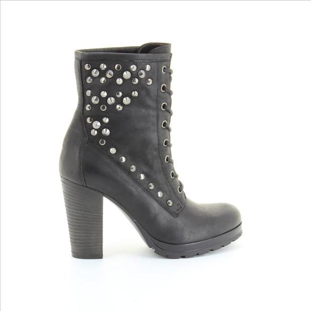 fosco-alba-carrillo-coleccion-otono-invierno-2012-2013-fashion-moda-calzado-accesorios-bota-tachuelas-piel-modaddiction