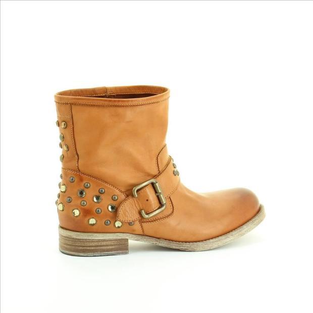 fosco-alba-carrillo-coleccion-otono-invierno-2012-2013-fashion-moda-calzado-accesorios-botines-piel-tachuelas-modaddiction
