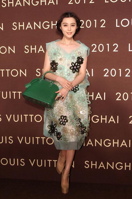 moda-fashion-pasarela-desfile-catwalk-fashion-week-alfombra-roja-red-carpet-modaddiction-trends-tendencias-estrellas-people-fan-bing-bing-louis-vuitton-1