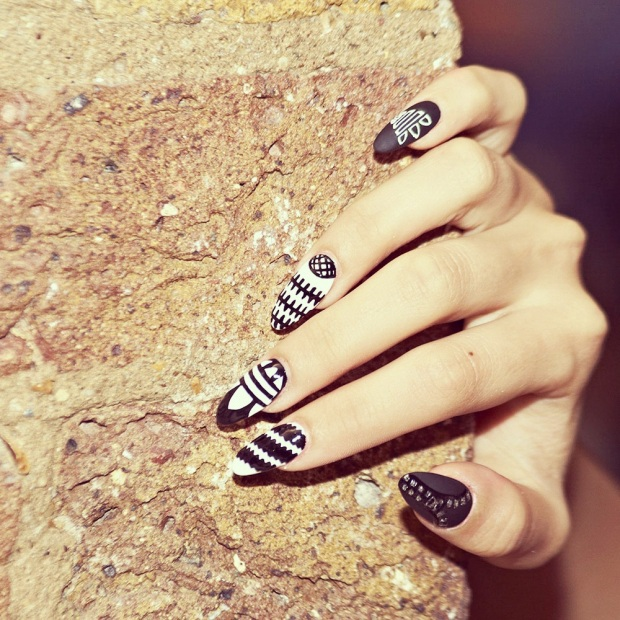 adidas_nails_trendy_art_tendencia-modaddiction