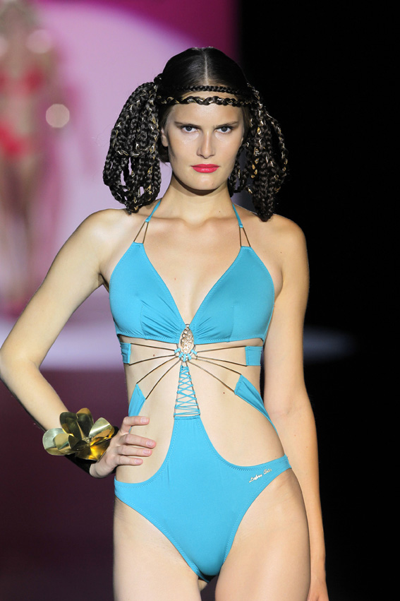 dolores_cortes_moda_bano_verano_2013_fashion_moda_trends_tendencias_triquini-femenino_modaddiction