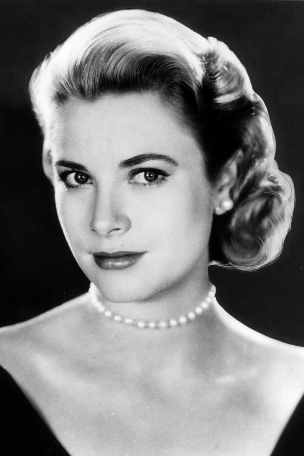 grace-kelly-closet-armario-moda-fashion-modaddiction-trends-tendencias-cine-cinema-hollywood-monaco-actriz-princesa-culture-cultura-collares-perla