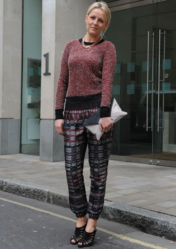 londres-moda-calle-london-street-style-modaddiction-street-look-fashion-week-moda-londres-london-trends-tendencias-baggy-pants